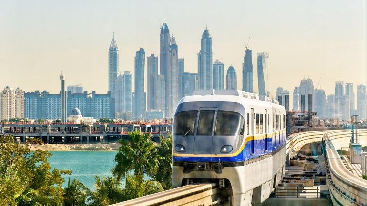 Train arriving at Atlantis Monorail station in Dubai; Shutterstock ID 369503072; Departmental Cost Code : 162800; Project Code: GBLMKT; PO Number: GBLMKT; Other: